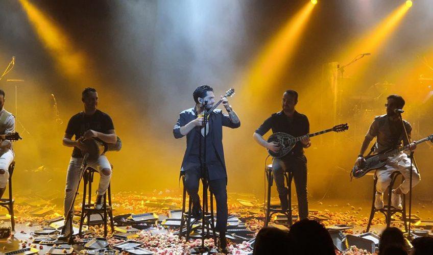 ΜΕΛISSES: Εντυπωσιακή πρεμιέρα στην «Πύλη Α» Το no1. συγκρότημα «μαγεύει» την Θεσσαλονίκη!